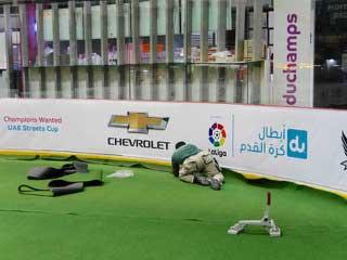 artificial-football-pitch-installation-dubai-mall