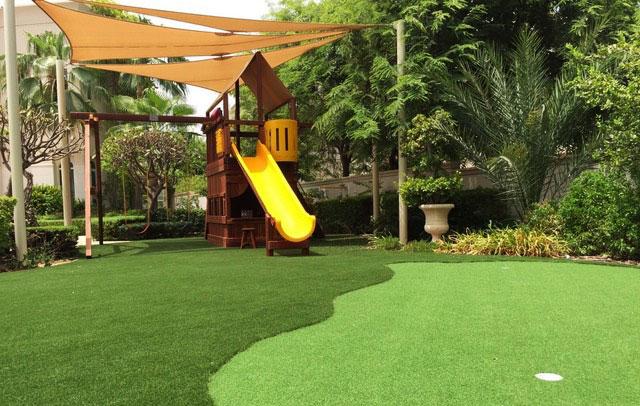 Private Villa artificial grass garden-golf-green