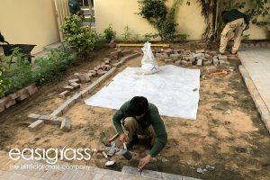 installating fake grass step 4